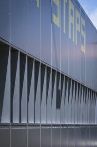 Détails du bardage posé par les Ateliers David sur le bâtiment UFR STAPS de Nantes