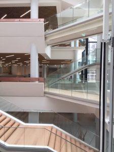 Photo depuis l'intérieur du Centre de Congrès d'Angers où les Ateliers David ont participé aux travaux de réhabilitation