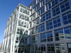 Détails de la façade du bâtiment Berkeley à Rennes habillée par les Ateliers David
