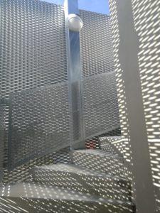 Prise de vue dans les escaliers conçus et réalisés par les Ateliers David à Saint-Sébastien-Sur-Loire